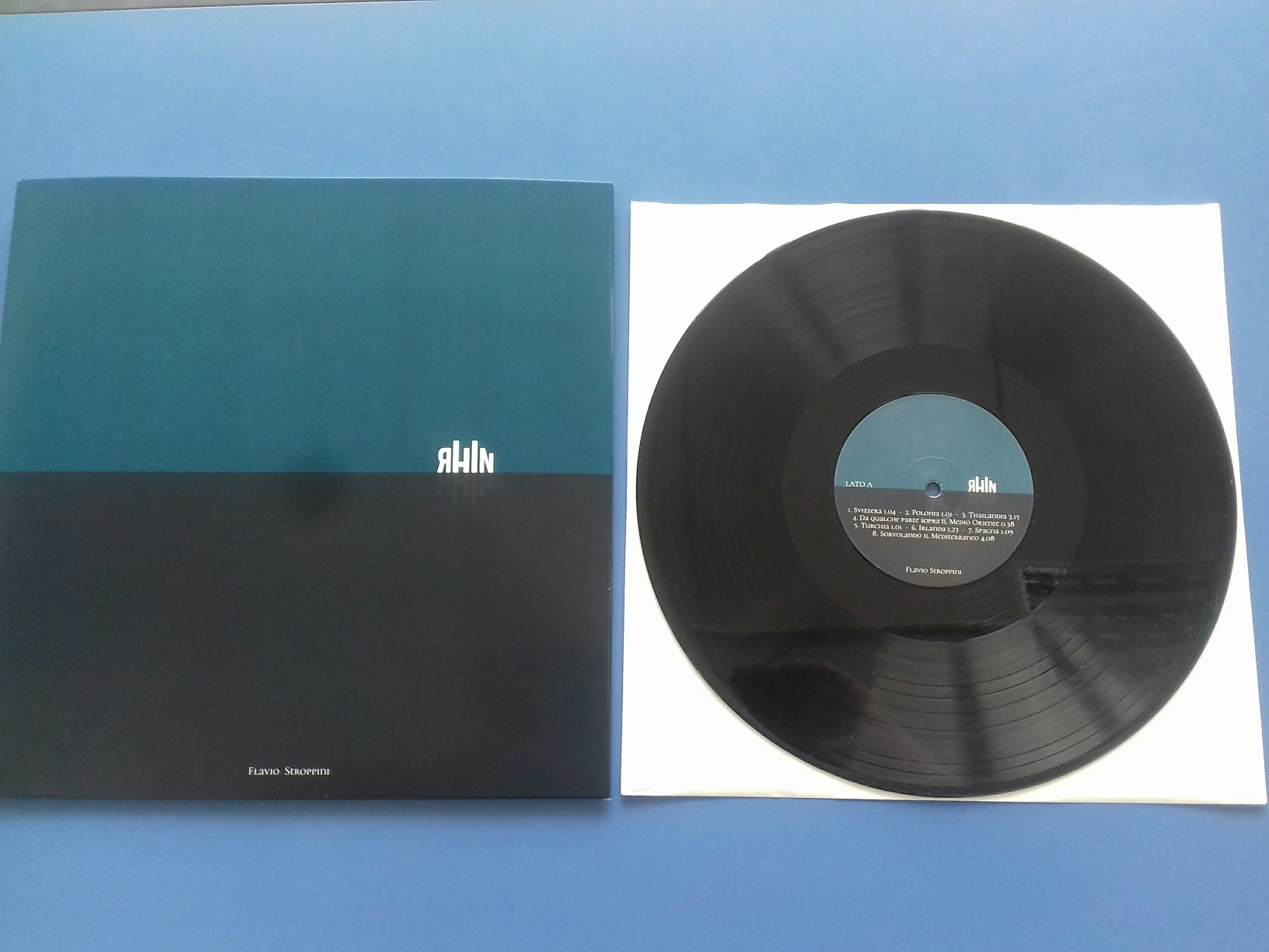 """RHiN"" disco in Vinile 12″ di Flavio Stroppini"